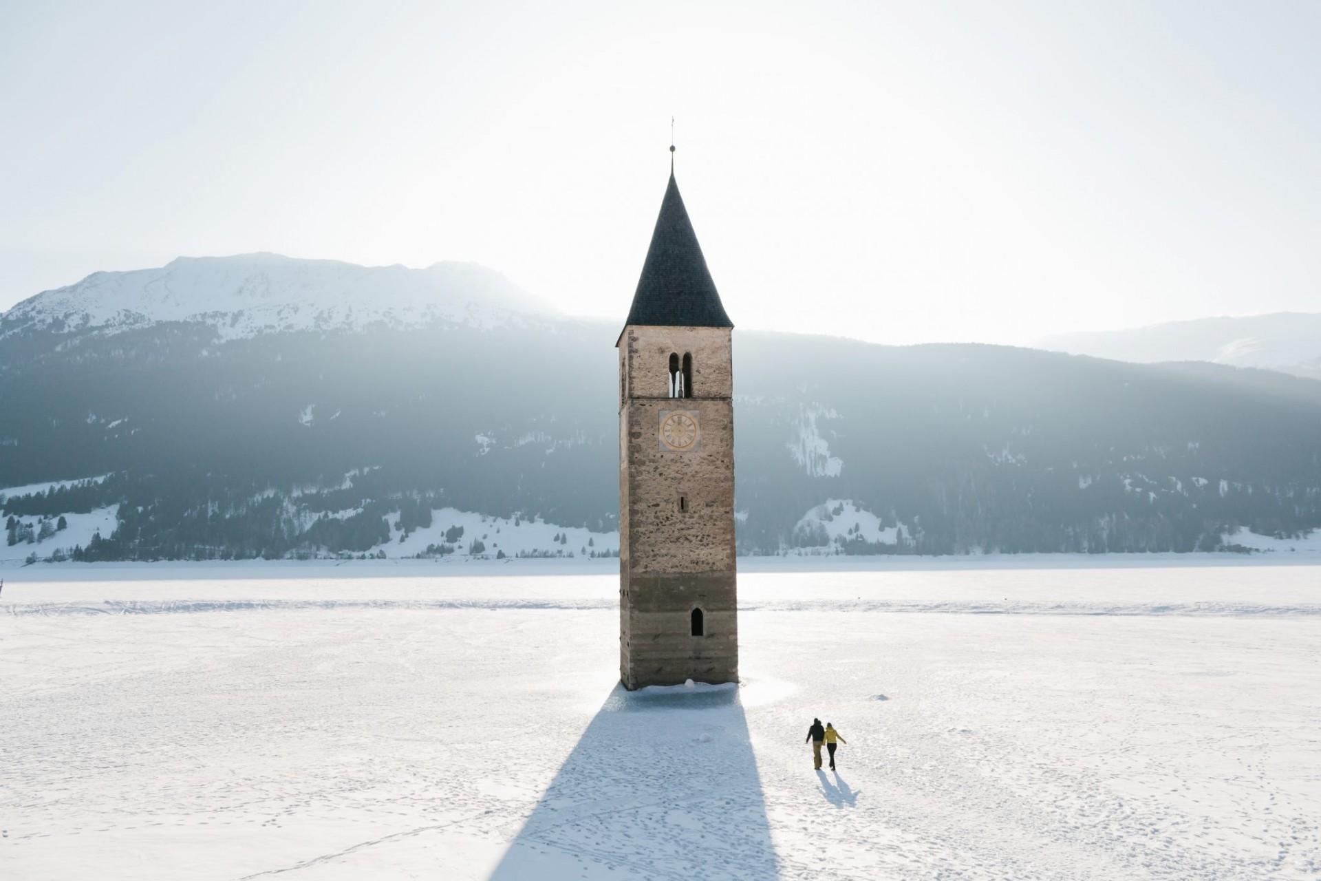 Reschensee, Lago di Resia, Italy, Winter, Ski,