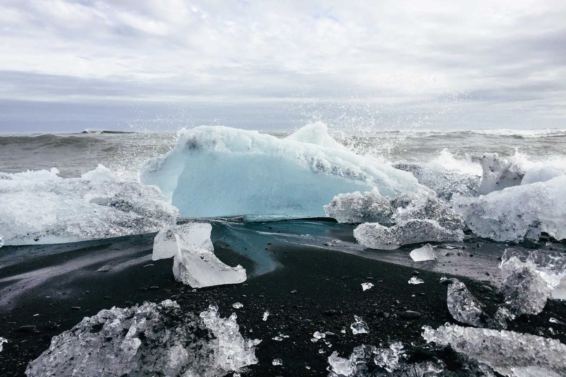 Diamond Beacht at Jökulsárlón Glacier Lagoon in Iceland