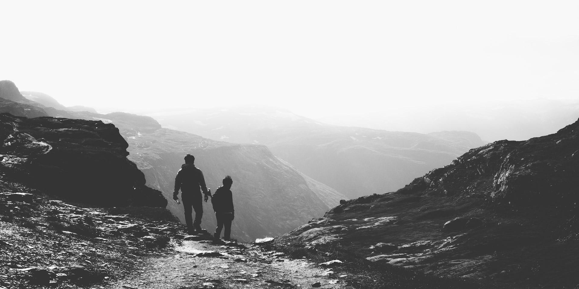 Trolltunga hike, photo guide, travel, day hike, Norway, hardangerfjord